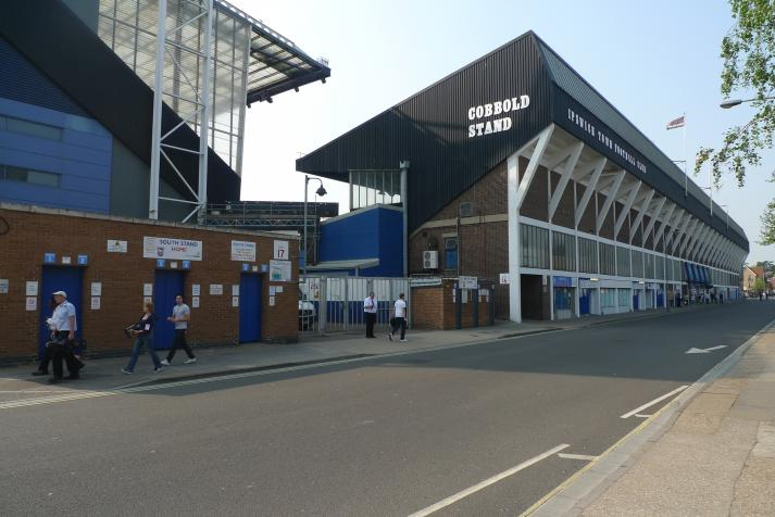 cobbold stand, rear